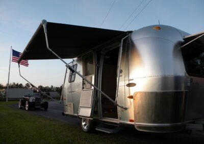 2006 Airstream Bambi Safari 19'